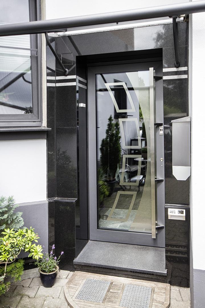aussen fahne fr auen with aussen aussen with aussen excellent image with aussen bild with. Black Bedroom Furniture Sets. Home Design Ideas